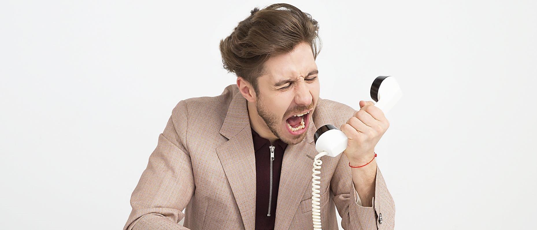 Как говорить с недовольным клиентом?
